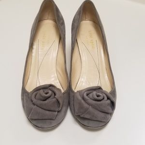 Kate Spade Suede Flower Pumps Heels Round Toe 6